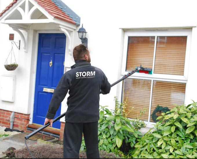 Window cleaners for Hinckley & Burbage areas. Local, reliable & affordable window cleaning.