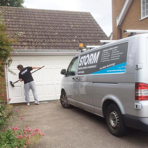 Loughborough window cleaner window cleaning student accommodation & commercial premises in Loughborough
